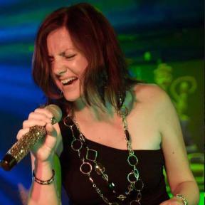 Joanne Spénard: Lead Vocals, Percussion