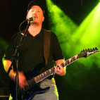 Mike Ferris: Lead & Rhythm Guitar, Keyboards