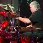 Rob Lauzon: Drums, Vocals